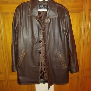 Men's Brown Leather single breasted coat.